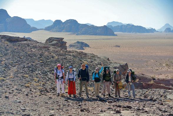 Группа на территории пустыни! Иордания