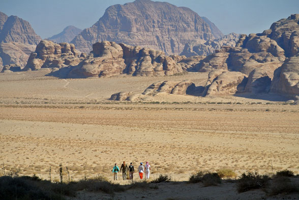 Квест начался! Наша группа в пустыне Иордании