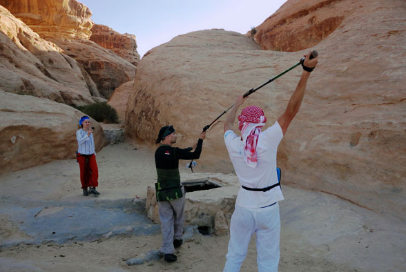 Добыча воды в пустыне Иордании