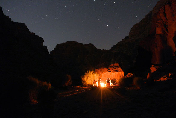 Ночной лагерь в каньонах Иордании