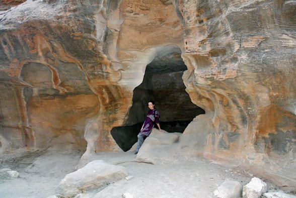 Таинственный портал в Малой Петре, Иордания