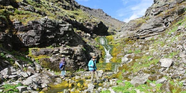 Водопад  рядом с первой стоянкой