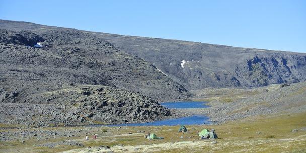 Лагерь второй стоянки в походе по Ловозерам